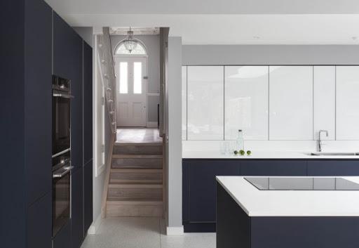 белая глянцевая кухня отзывы