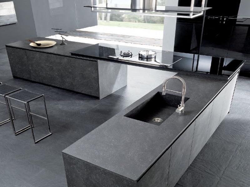 столы из керамогранита на кухне