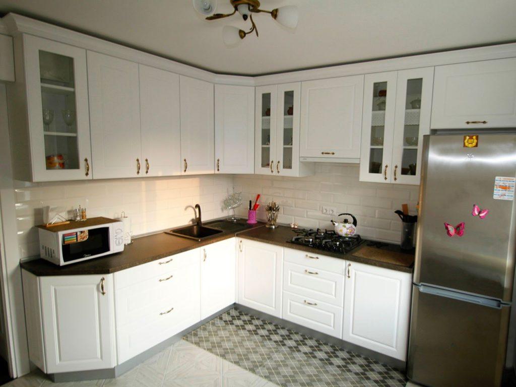 кухни с темной столешницей фото