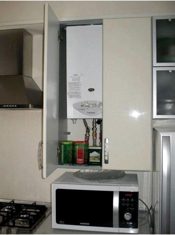 кухня с колонкой