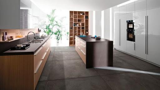 пол из керамогранита на кухне фото