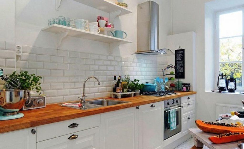 белый фартук на кухне