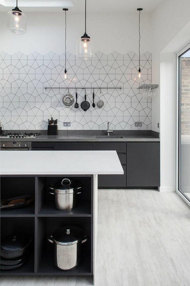 фартуки для черно белой кухни фото