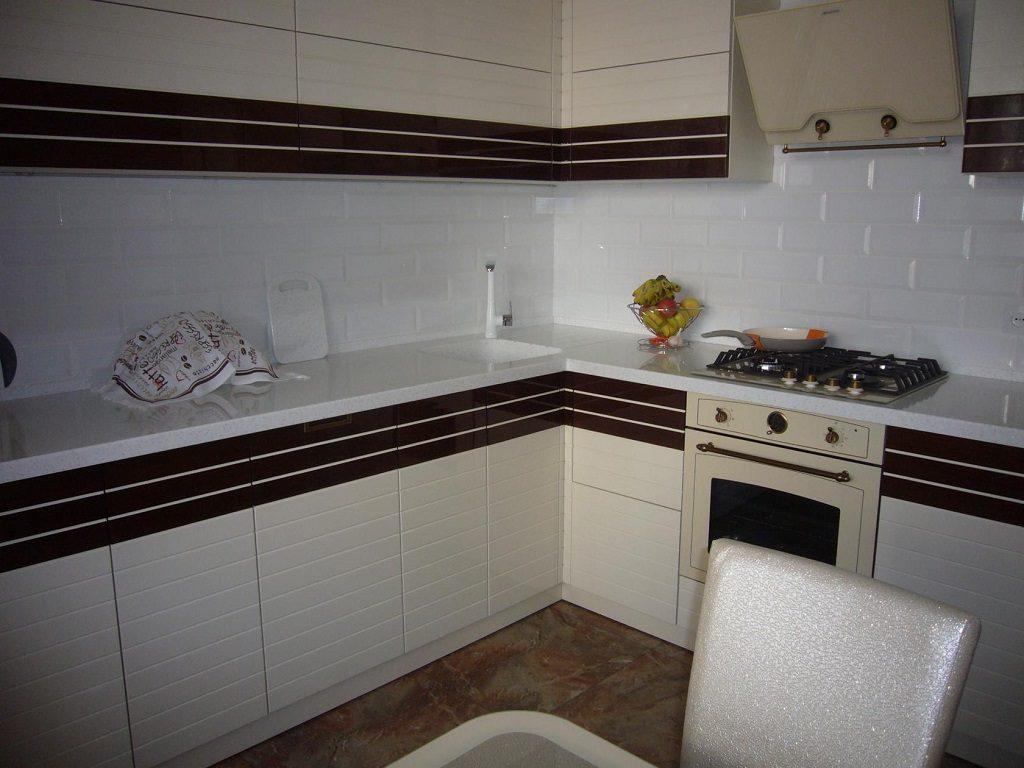 плитка кабанчик на фартук кухни фото